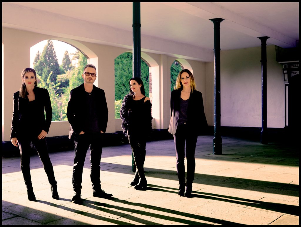 the-corrs-1453473601-95